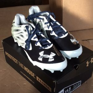 UA Nitro Low MC Cleat Sneakers